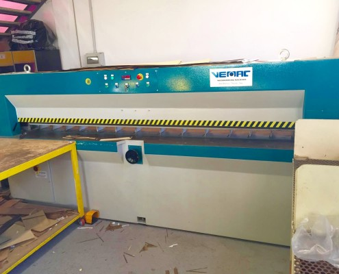 taglierina per impiallacciatura usata , macchinari usati, usato